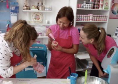 mamacake_reposteria_creativa_sevilla_curso_cupcakes_buttercream