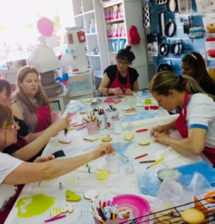 mamacake_reposteria_creativa_sevilla_curso_iniciacion_galletas_decoradas_fondant4